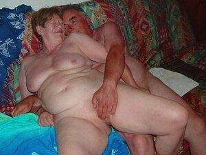 Mature exhibitionist couple masturbating then penetrating