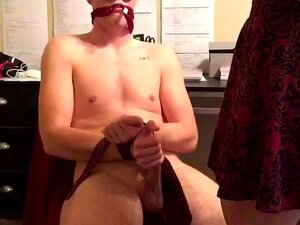 Please squirt Blindfolded edging blowjob with ice water really cute