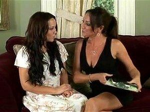 Mira a Michelle Lay y Belle Bond en EMPFlix, el mejor sitio porno de xxx hd.